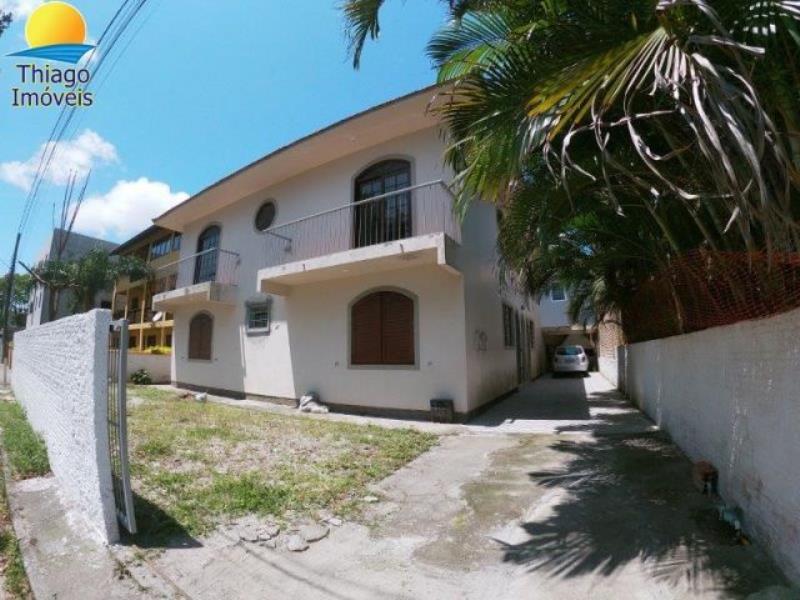Apartamento com o Código 10001882 para alugar no bairro Cachoeira do Bom Jesus na cidade de Florianópolis com 3 dormitorio(s) possui 1 garagem(ns) possui 2 banheiro(s)