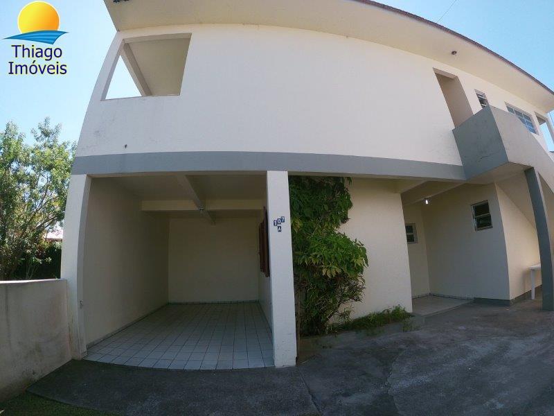 Apartamento com o Código 100010703 para alugar no bairro Cachoeira do Bom Jesus na cidade de Florianópolis com 1 dormitorio(s) possui 1 garagem(ns) possui 1 banheiro(s)