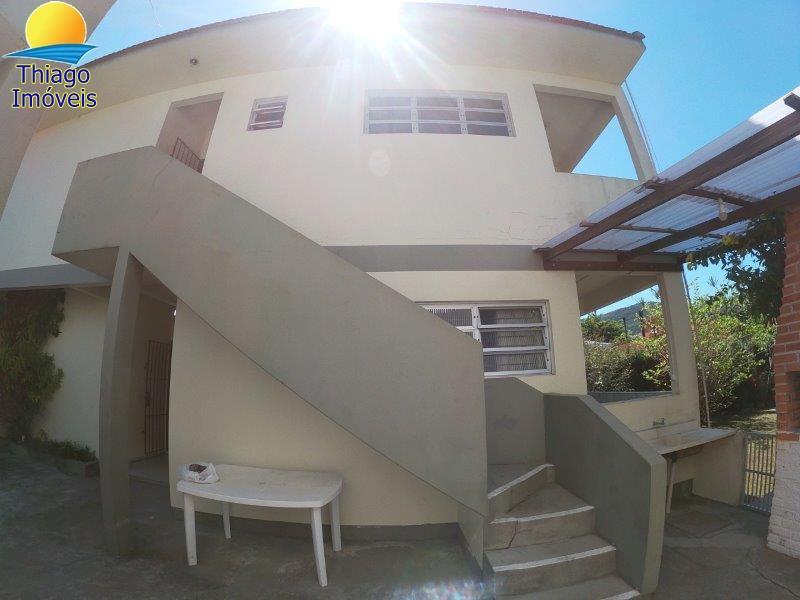 Apartamento com o Código 100010704 para alugar no bairro Cachoeira do Bom Jesus na cidade de Florianópolis com 2 dormitorio(s) possui 1 banheiro(s)