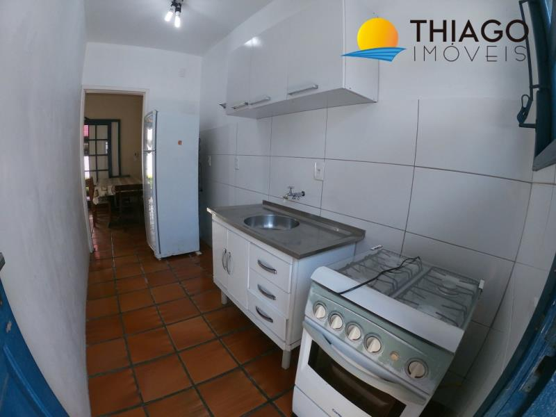 Casa com o Código 80 para alugar no bairro Canasvieiras na cidade de Florianópolis com 3 dormitorio(s) possui 1 garagem(ns) possui 1 banheiro(s)