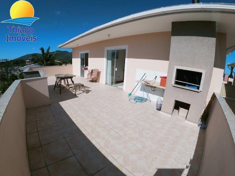 Cobertura com o Código 100544301 para alugar no bairro Canasvieiras na cidade de Florianópolis com 3 dormitorio(s) possui 1 garagem(ns) possui 2 banheiro(s)