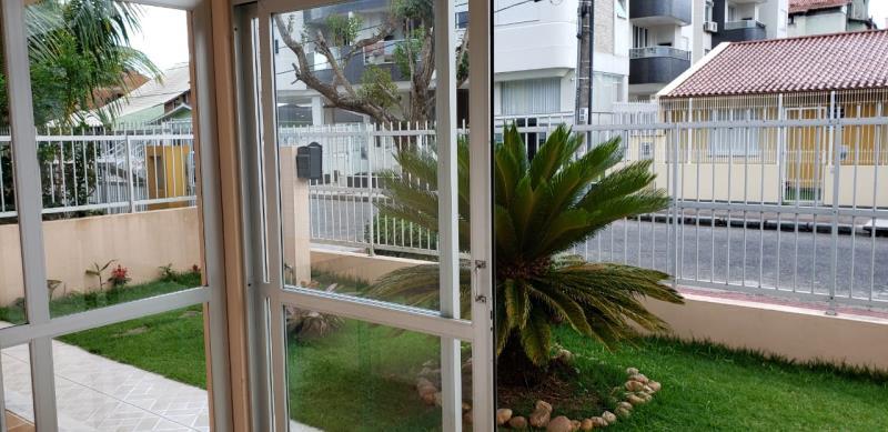 Casa com o Código 10499499 à Venda no bairro Canasvieiras na cidade de Florianópolis com 3 dormitorio(s) possui 3 banheiro(s)