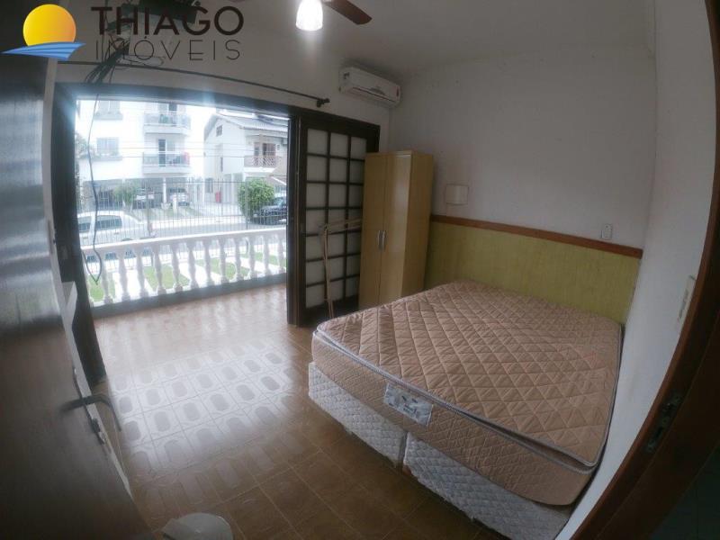 Kitnet com o Código 1002900 para alugar no bairro Canasvieiras na cidade de Florianópolis com 1 dormitorio(s) possui 1 banheiro(s) com área de 16,00 m2