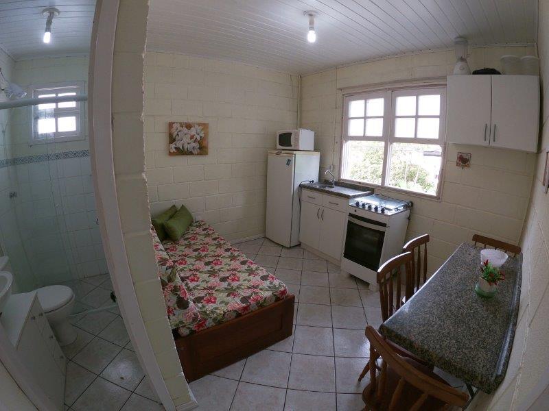 Apartamento com o Código 97 para alugar no bairro Cachoeira do Bom Jesus na cidade de Florianópolis com 1 dormitorio(s) possui 1 garagem(ns) possui 1 banheiro(s) com área de 25,00 m2