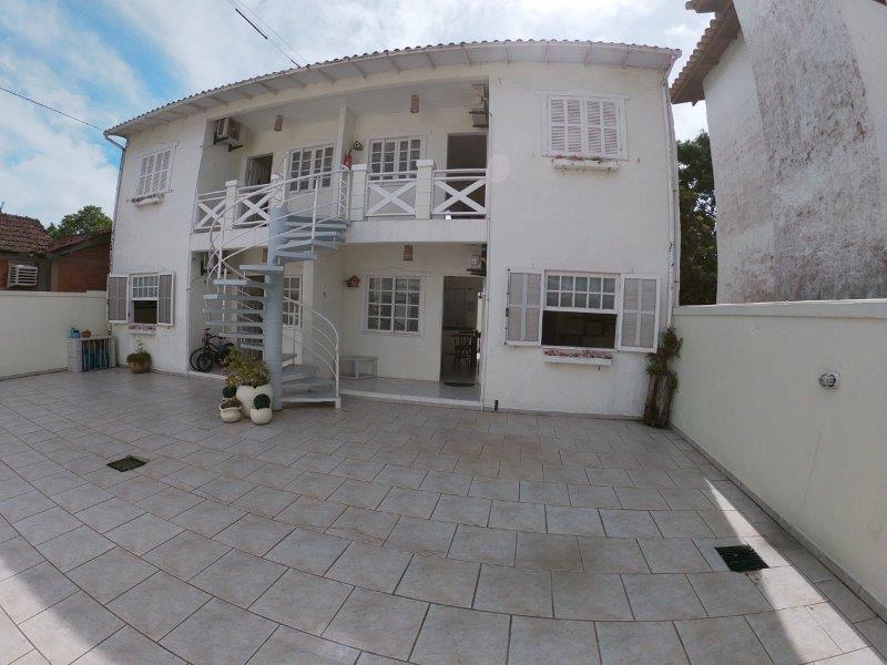 Apartamento com o Código 93 para alugar no bairro Cachoeira do Bom Jesus na cidade de Florianópolis com 2 dormitorio(s) possui 1 garagem(ns) possui 1 banheiro(s) com área de 45,00 m2