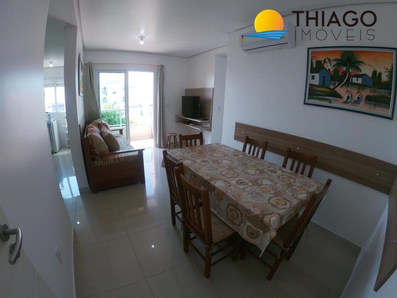 Apartamento com o Código 28 para alugar no bairro Canasvieiras na cidade de Florianópolis com 2 dormitorio(s) possui 1 garagem(ns) possui 2 banheiro(s) com área de 95,00 m2