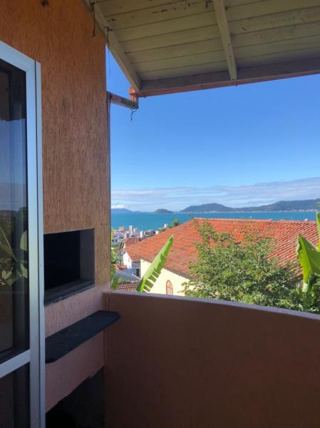 Apartamento com o Código 66 para alugar no bairro Canasvieiras na cidade de Florianópolis com 1 dormitorio(s) possui 1 banheiro(s) com área de 38,00 m2