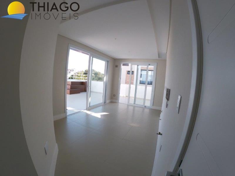 Apartamento com o Código 404 à Venda no bairro Canasvieiras na cidade de Florianópolis com 3 dormitorio(s) possui 1 garagem(ns) possui 2 banheiro(s) com área de 207,00 m2