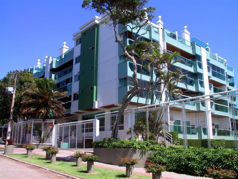 Cobertura Duplex com o Código 1000405405 à Venda no bairro Canasvieiras na cidade de Florianópolis com 2 dormitorio(s) possui 1 garagem(ns) possui 2 banheiro(s)