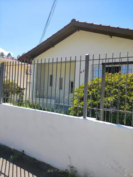 Casa-Codigo-110-para-alugar-no-bairro-Saco dos Limões-na-cidade-de-Florianópolis