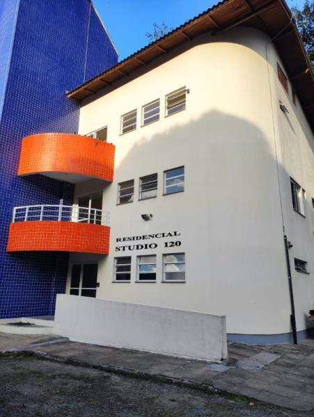 Kitnet-Codigo-311-para-alugar-no-bairro-Trindade-na-cidade-de-Florianópolis