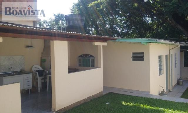 Casa-Codigo-905-a-Venda-no-bairro-Trindade-na-cidade-de-Florianópolis
