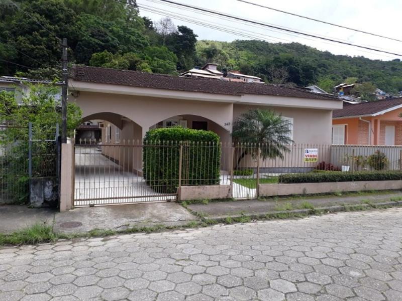 Casa-Codigo-989-a-Venda-no-bairro-Saco dos Limões-na-cidade-de-Florianópolis