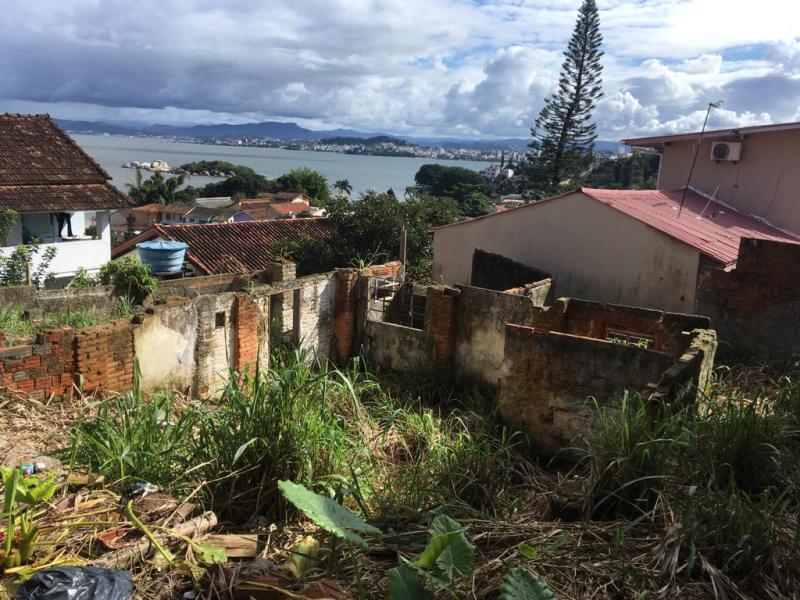 Terreno-Codigo-1024-a-Venda-no-bairro-José Mendes-na-cidade-de-Florianópolis