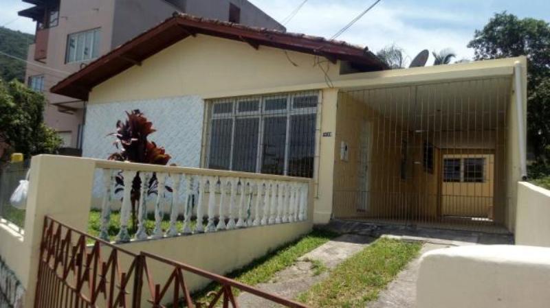 Casa-Codigo-1028-a-Venda-no-bairro-Costeira do Pirajubaé-na-cidade-de-Florianópolis