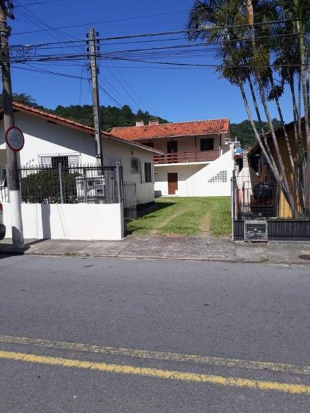 Apartamento-Codigo-1033-para-alugar-no-bairro-Saco dos Limões-na-cidade-de-Florianópolis