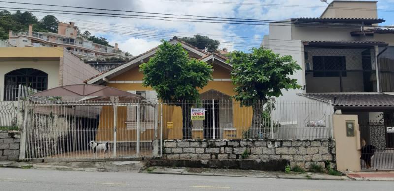 Casa-Codigo-1055-a-Venda-no-bairro-Saco dos Limões-na-cidade-de-Florianópolis
