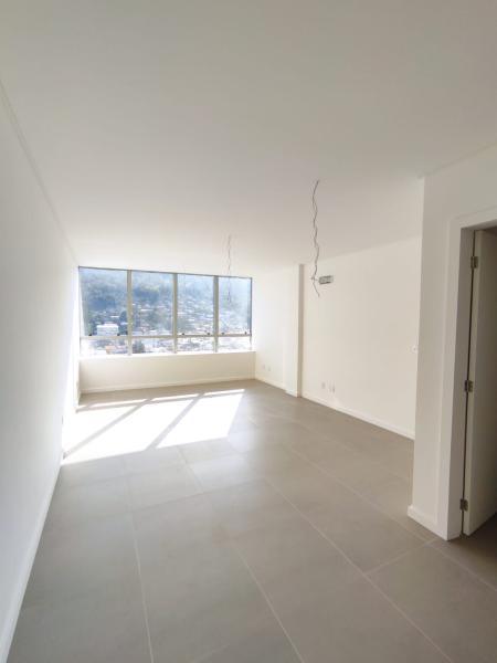 Sala-Codigo-1077-a-Venda-no-bairro-Saco dos Limões-na-cidade-de-Florianópolis