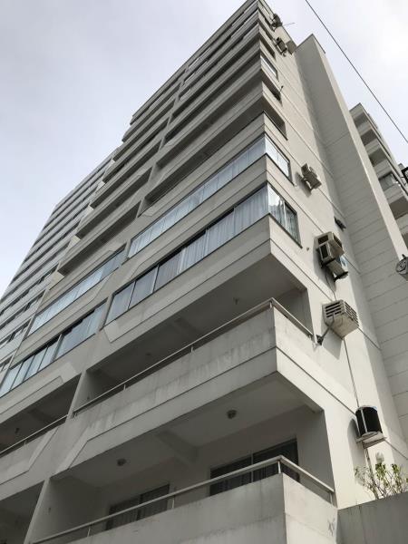 Apartamento Codigo 239 para Alugar no bairro Centro na cidade de Balneário Camboriú