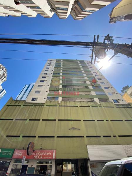 Apartamento Codigo 779 para Locacao no bairro Centro na cidade de Balneário Camboriú