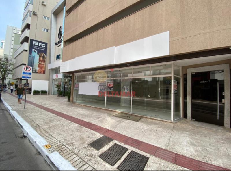 Sala Codigo 868 a Venda no bairro-Centro na cidade de Balneário Camboriú