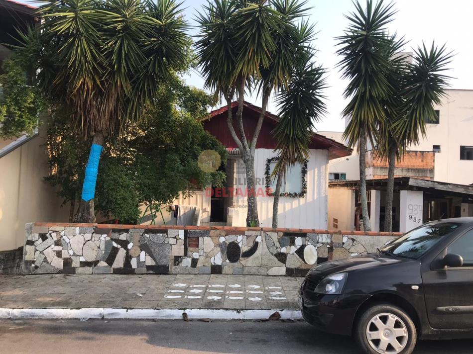 Casa Codigo 1135 a Venda no bairro-Nações na cidade de Balneário Camboriú
