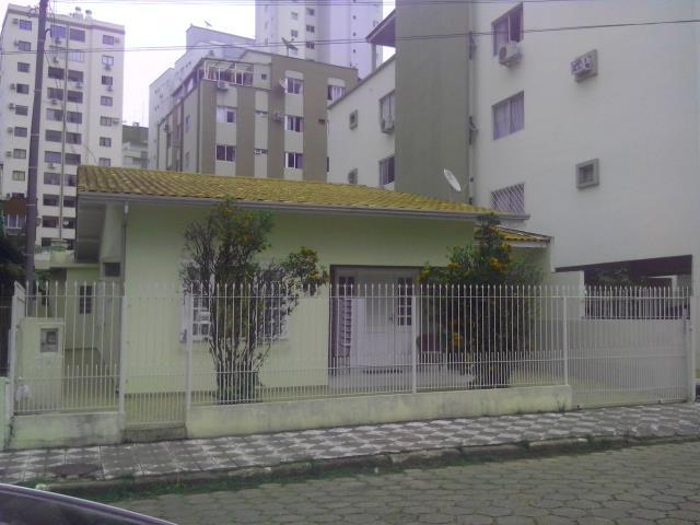 Casa Codigo 4123 a Venda no bairro-Centro na cidade de Balneário Camboriú