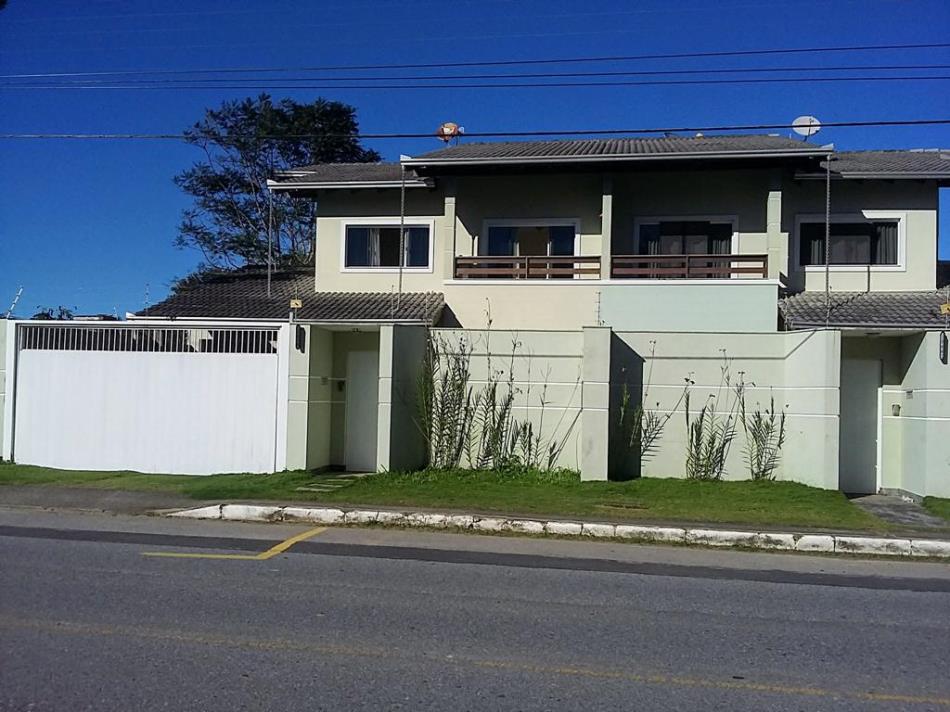 Casa Codigo 4310 a Venda no bairro-Praia do Estaleirinho na cidade de Balneário Camboriú