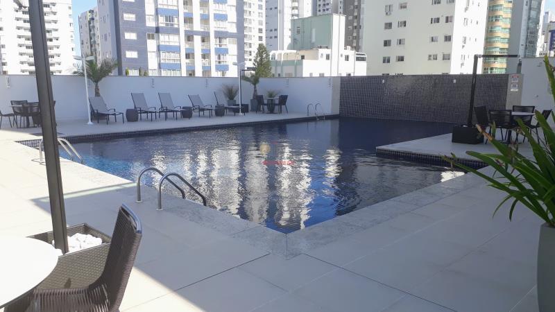 32 - piscina