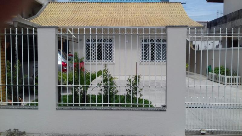 Casa Codigo 4497 a Venda no bairro-Jardim Iate Clube na cidade de Balneário Camboriú