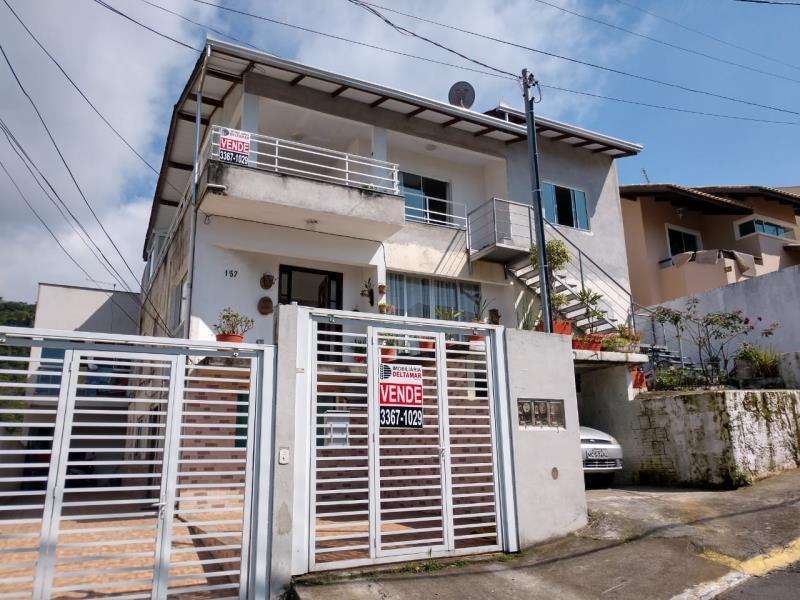 Casa Codigo 4596 a Venda no bairro-Ariribá na cidade de Balneário Camboriú