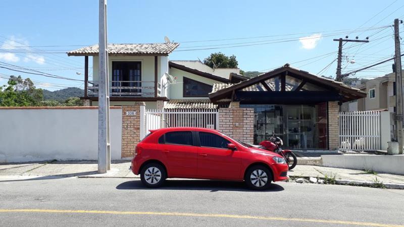 Casa Codigo 4606 a Venda no bairro-Ariribá na cidade de Balneário Camboriú