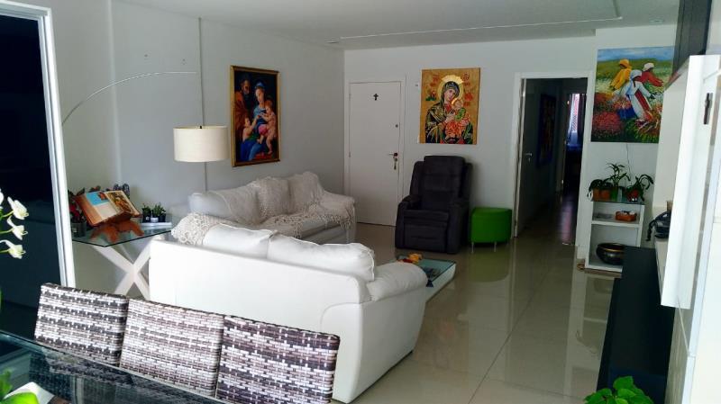 Apartamento-Codigo-4757-a-Venda-no-bairro-Centro-na-cidade-de-Balneário-Camboriú