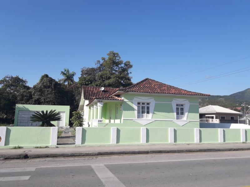 Casa Código 44 para alugar no bairro Centro na cidade de Santo Amaro da Imperatriz Condominio