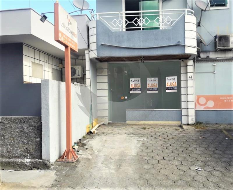 Sala Código 141 para alugar no bairro Centro na cidade de Santo Amaro da Imperatriz Condominio edifício bruno eduardo