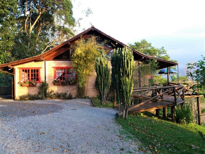 Casa Código 297 a Venda no bairro Pagará na cidade de Santo Amaro da Imperatriz Condominio