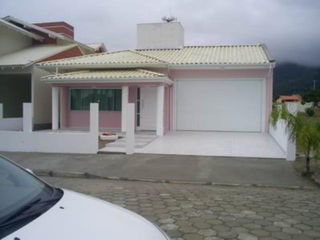 Casa Código 484 a Venda no bairro Praia de Fora na cidade de Palhoça Condominio