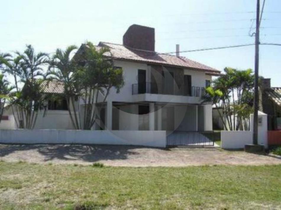 Casa Código 569 a Venda no bairro Balneário Ponta do Papagaio na cidade de Palhoça Condominio