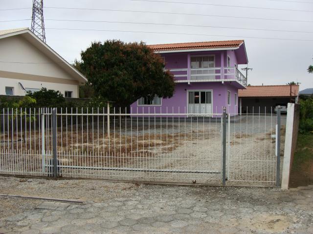 Casa Código 1600 a Venda no bairro Centro na cidade de Palhoça Condominio