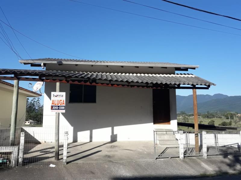 Casa Código 1811 para alugar no bairro Sul do Rio na cidade de Santo Amaro da Imperatriz Condominio