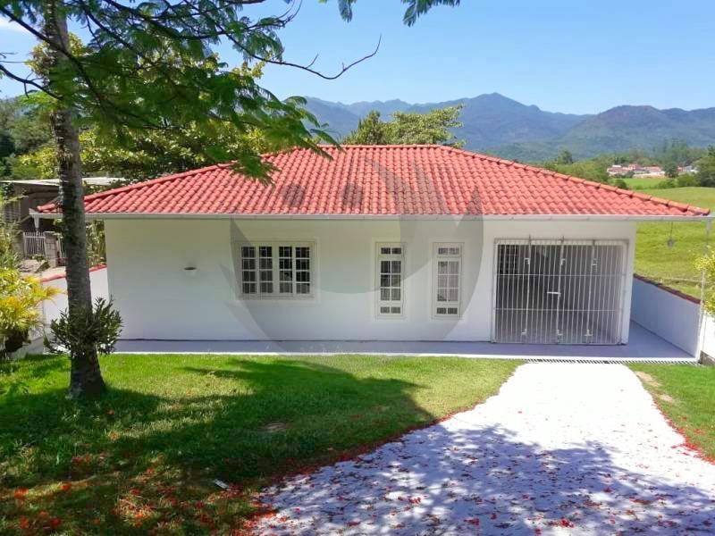Casa Código 2316 para alugar no bairro Vargem dos Pinheiros na cidade de Santo Amaro da Imperatriz Condominio