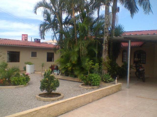Casa Código 2423 a Venda no bairro Pontal na cidade de Palhoça Condominio