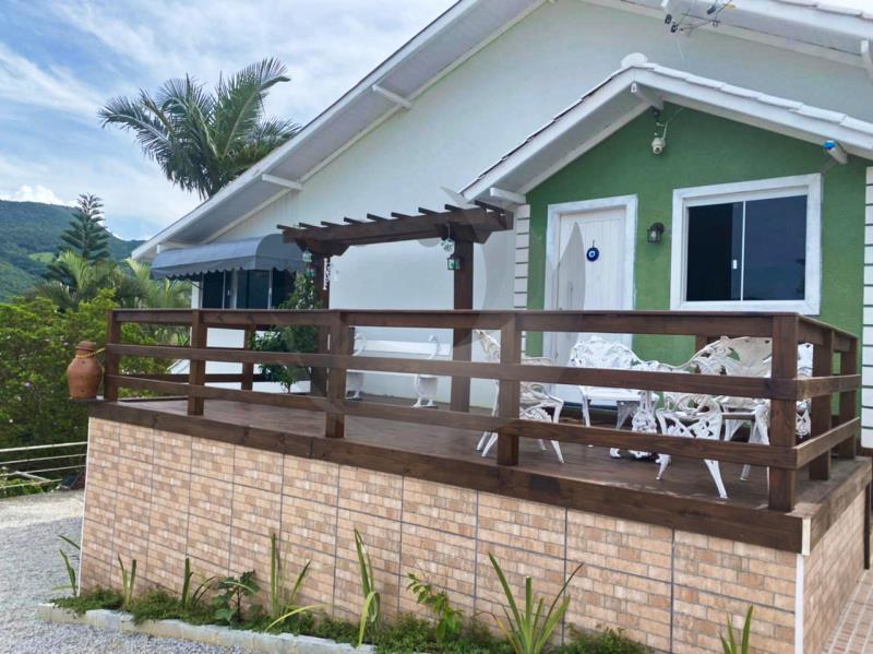 Casa Código 2576 a Venda no bairro Sertão na cidade de Santo Amaro da Imperatriz Condominio