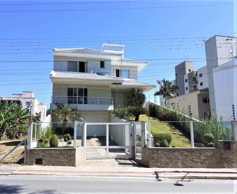 Casa Código 2670 a Venda  no bairro Centro na cidade de Santo Amaro da Imperatriz