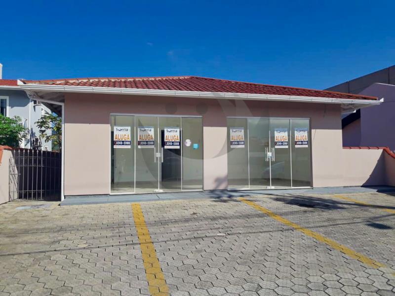Casa Código 2684 para alugar no bairro Vila Becker na cidade de Santo Amaro da Imperatriz Condominio