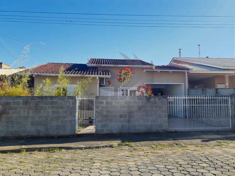 Casa Código 2790 a Venda no bairro São Francisco na cidade de Santo Amaro da Imperatriz Condominio loteamento tereza cristina