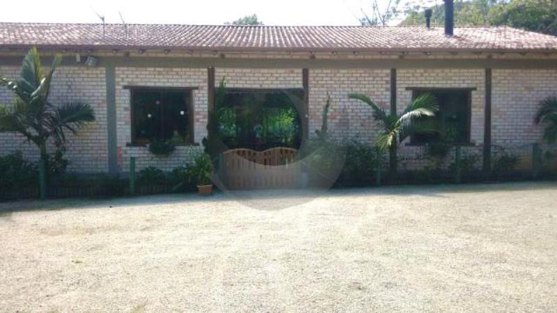 Sítio Código 2812 a Venda no bairro Pagará na cidade de Santo Amaro da Imperatriz Condominio