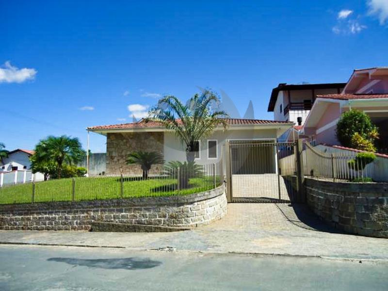 Casa Código 2904 para alugar no bairro São Francisco na cidade de Santo Amaro da Imperatriz Condominio