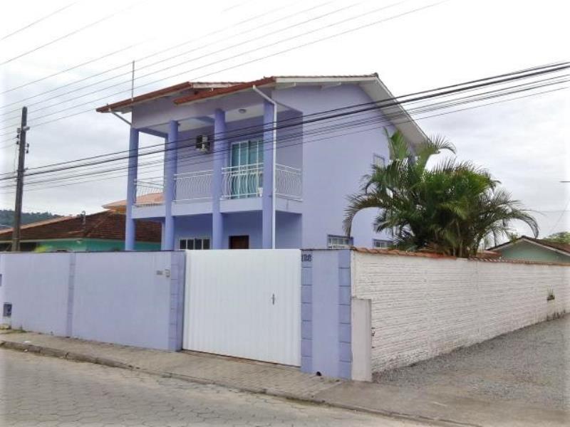 Casa Código 3033 a Venda no bairro Alto Aririu na cidade de Palhoça Condominio