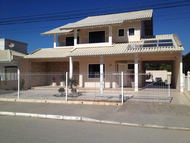 Casa Código 3075 a Venda no bairro Centro na cidade de Palhoça Condominio